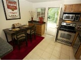 Photo Spacious 3 bedroom on Athens Westside