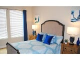 Photo 2 bedrooms, Burlington, 2 bathrooms - in a...