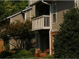 Photo Gorgeous Greensboro, 1 bedroom, 1 bath. Parking...