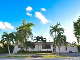 Photo Single-family home in FL Miami 8370 Southwest...