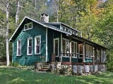 Photo Real Estate For Sale - 3 BR, 1 Bathroom Cabin