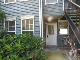 Photo Real Estate For Sale - 2 BR, 1 Bathroom Raised...