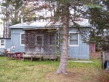 Photo Real Estate For Sale - 3 BR, 1 Bathroom Cottage