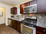 Photo Fox Run Apartments & Townhomes 1 Bedroom...