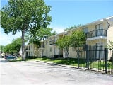 Photo North Dallas 1 Br w/Pool, Fence Second chance