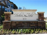 Photo Luxury 2 Bedroom Units - Available Today!