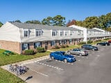 Photo Hampton Creek Apartments -1115 E Pembroke Ave,...