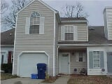Photo Great 3 bedrooms, 2 1/2 bath townhouse...